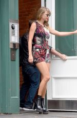 TAYLOR SWIFT Leaves Her Apartment in New York 07/17/2018