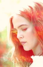 ZOEY DEUTCH for Who What Wear 2018