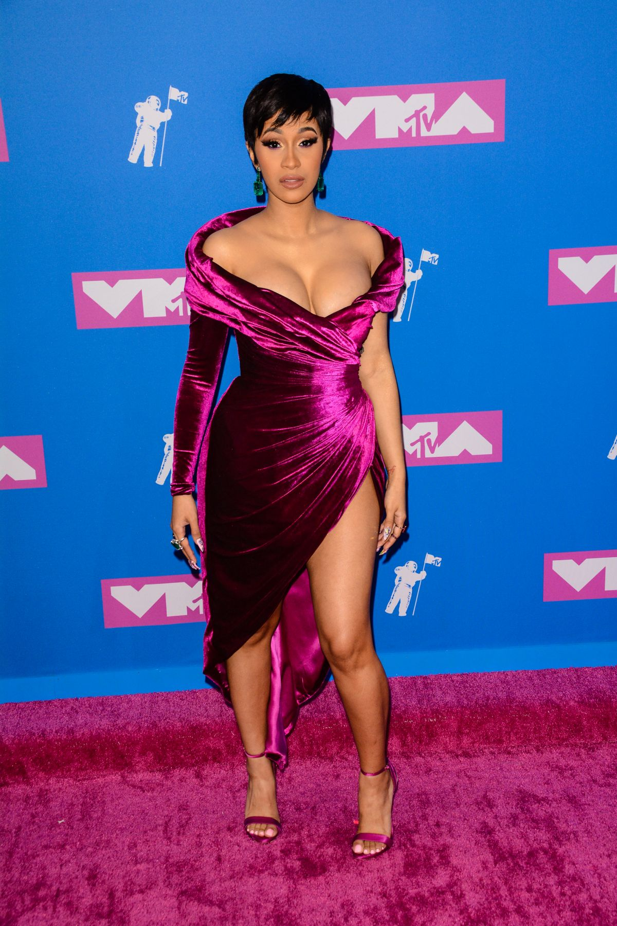 Cardi B Flashes Her New Offset Tattoo Amid Social Media: CARDI B At MTV Video Music Awards In New York 08/20/2018