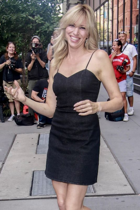 DEBBIE GIBSON Leaves AOL Build in New York 08/21/2018