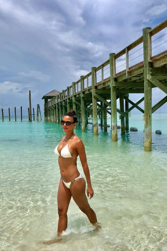 EVA LARUE in Bikini 08/24/2018 Instagram Picture