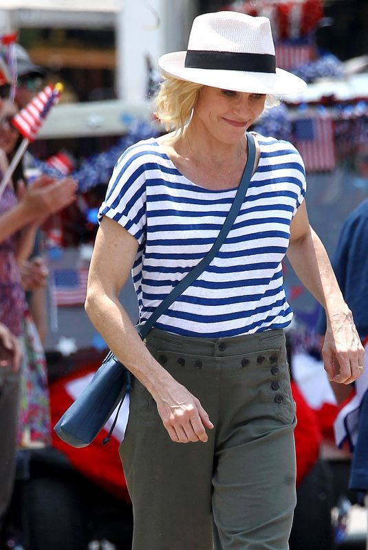 JULIE BOWEN on the Set of Modern Family in Los Angeles 08/09/2018