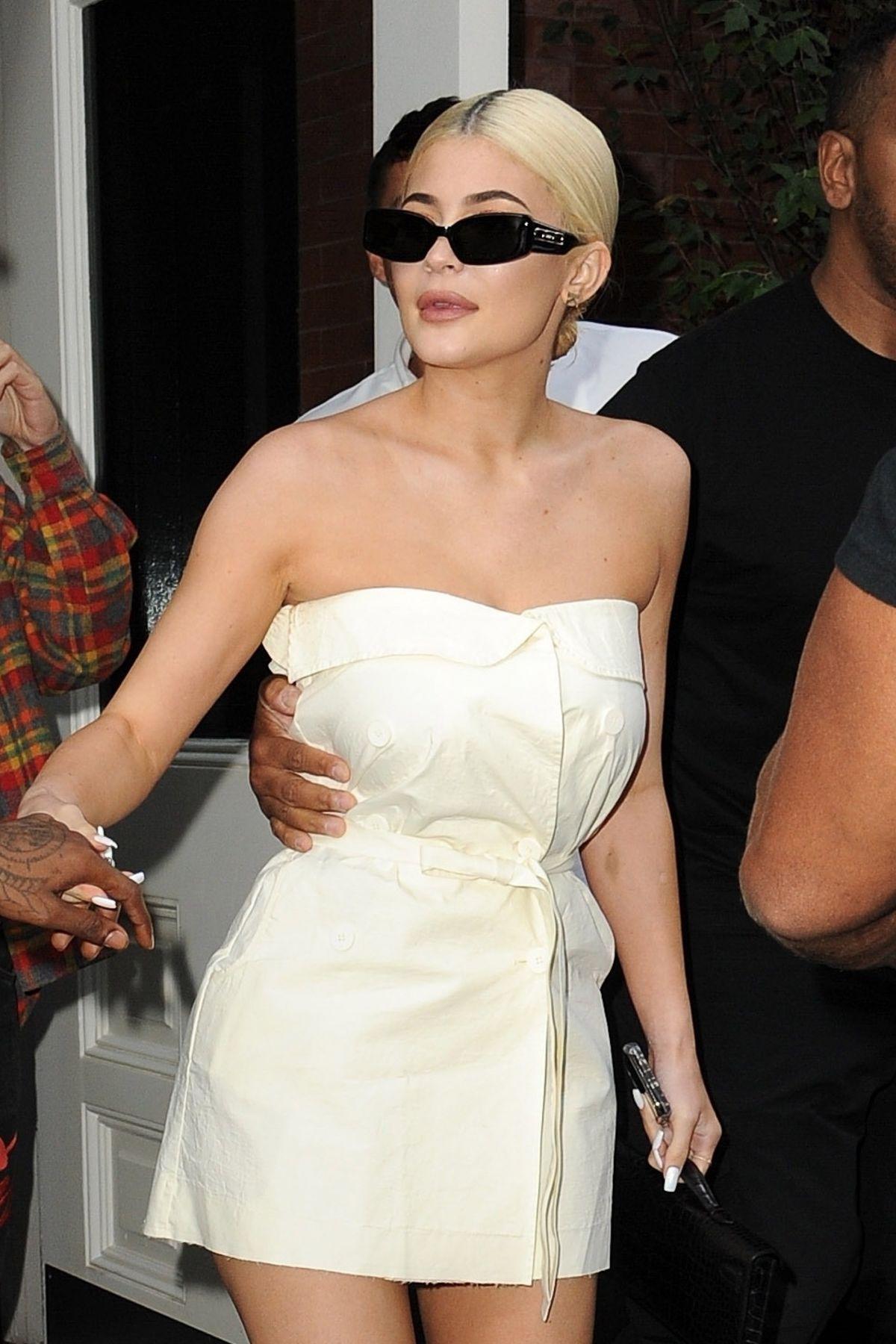 Watch Kylie jenner leaving the mercer hotel in manhattan video