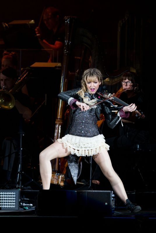 LINDSEY STIRLING Performs at Coral Sky Amphitheatre in Palm Beach 08/18/2018