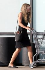 REBECCA GAYHEART Shopping at Trancas Country Market in Malibu 08/26/2018