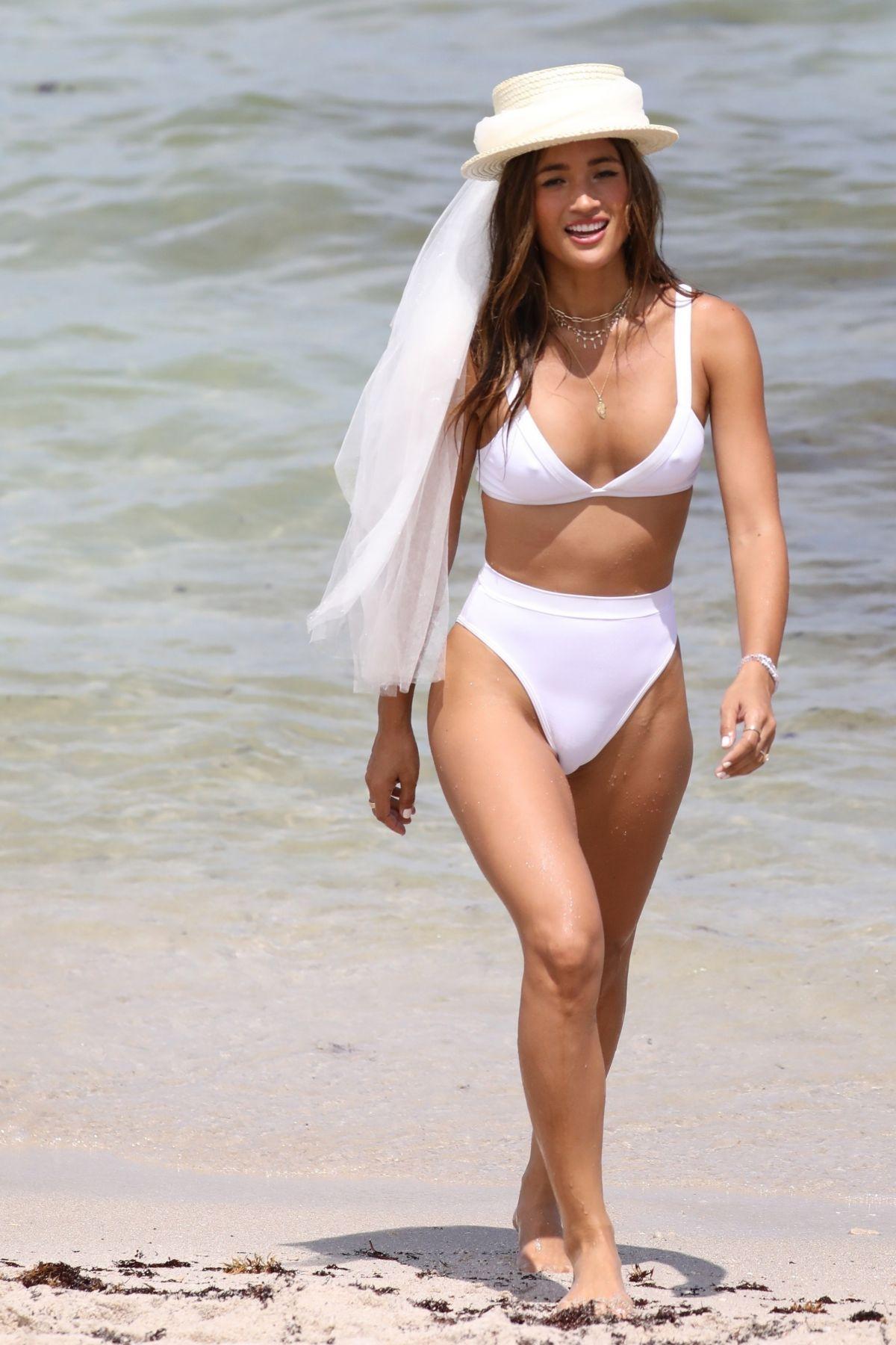 Nude Serena Deeb nude (32 photos), Sexy, Paparazzi, Boobs, cleavage 2015