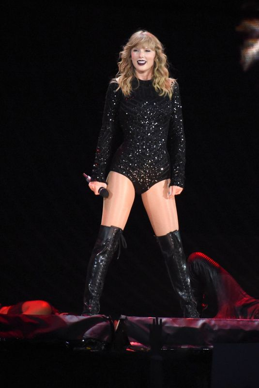 Taylor Swift Performs At Heinz Field In Pittsburgh 08 07 2018 Hawtcelebs