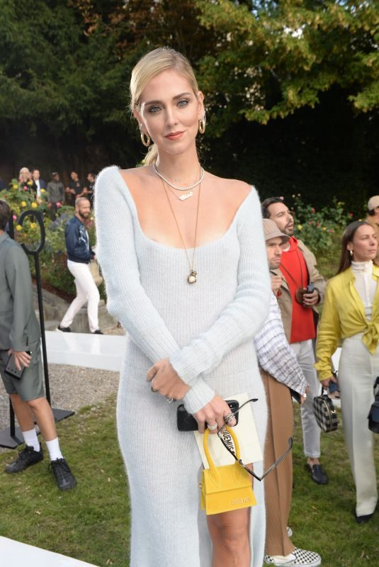 CHIARA FERRAGNI at Jacquemus Fashion Show at PFW in Paris 09/24/2018
