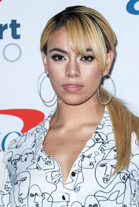 DINAH JANE HANSEN at Iheartradio Music Festival in Las Vegas 09/21/2018