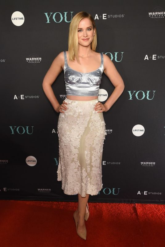 ELIZABETH LAIL at Angels by Russell James Book Launch and Exhibit in New York 09/06/2018
