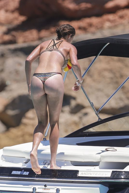 GARBINE MUGURUZA in Bikini at a Boat in Ibiza 07/08/2018