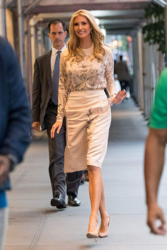 IVANKA TRUMP Arrives at Her Home in New York 09/24/2018