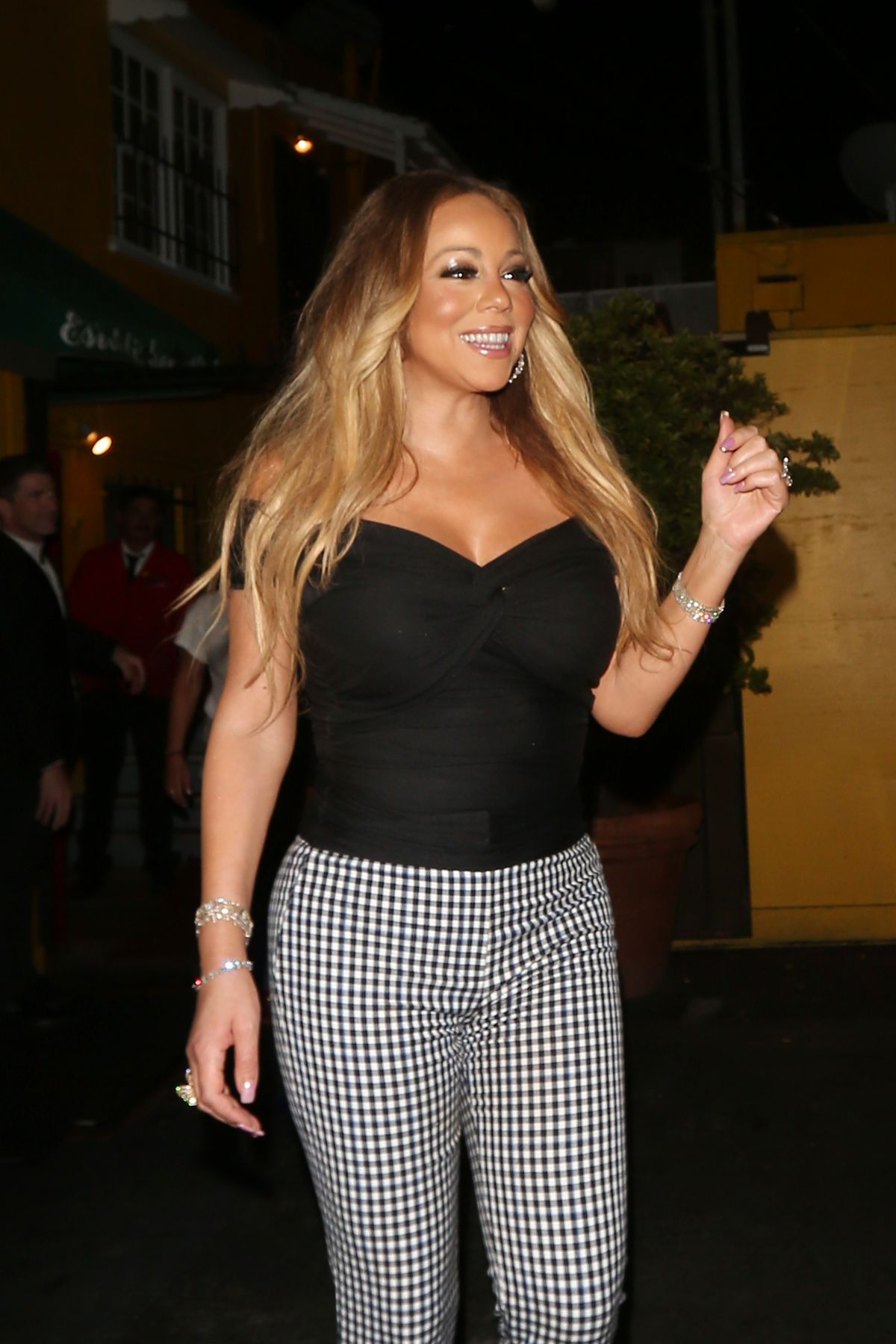 images 17. Mariah Carey