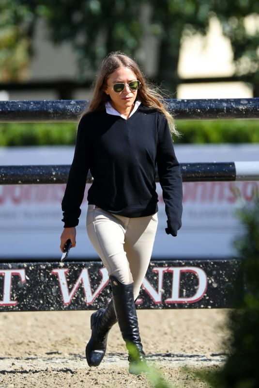 MARY KATE OLSEN at American Gold Cup Show in North Salem 09/27/2018