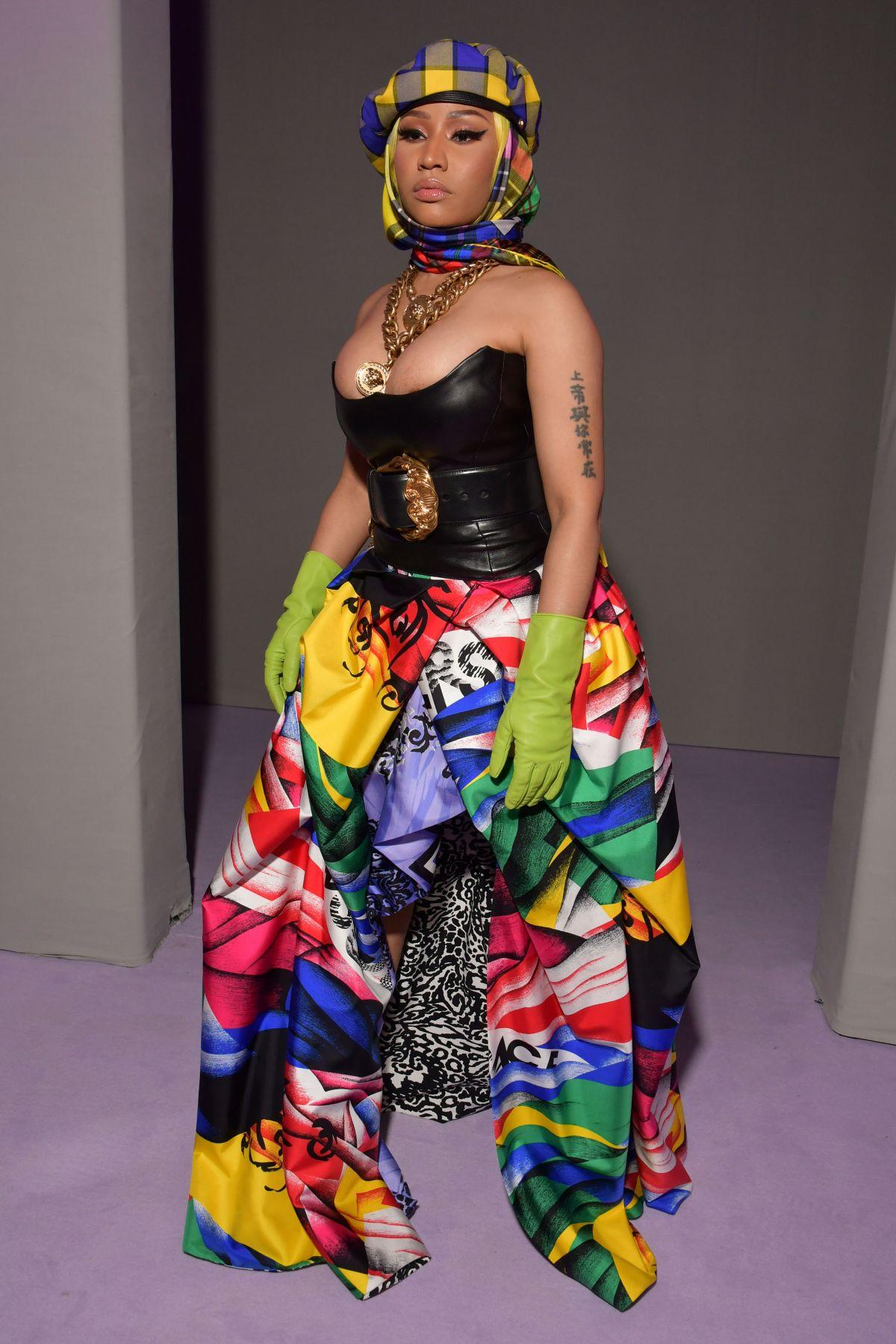 f05f5c9156 Nicki minaj at versace fashion show at in milan jpg 1200x1800 Nicki minaj  versace shirt