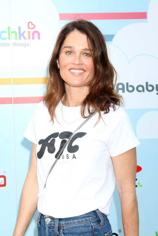 ROBIN TUNNEY at 7th Annual Celebrity Red Carpet Event in Culver City 09/22/2018