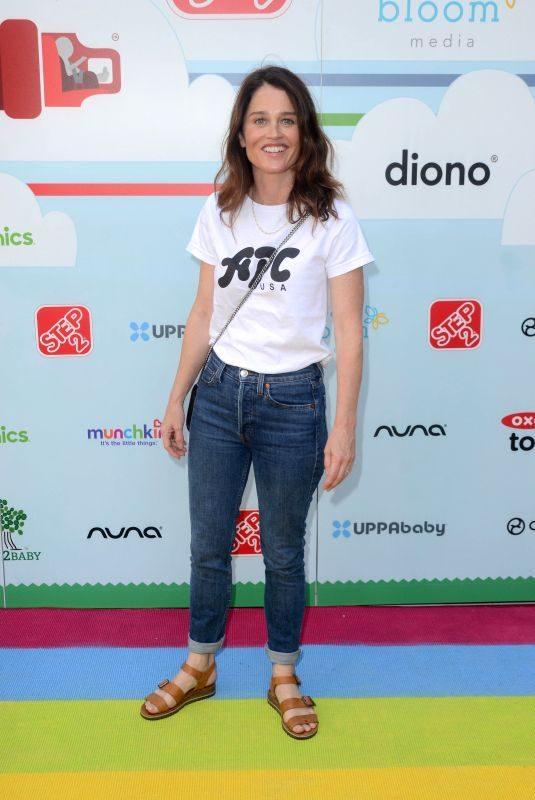 ROBIN TUNNEY at Celebrity Baby2Baby Benefit in Los Angeles 09/22/2018