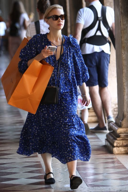 SARAH GADON Out Shopping in Venice 09/04/2018