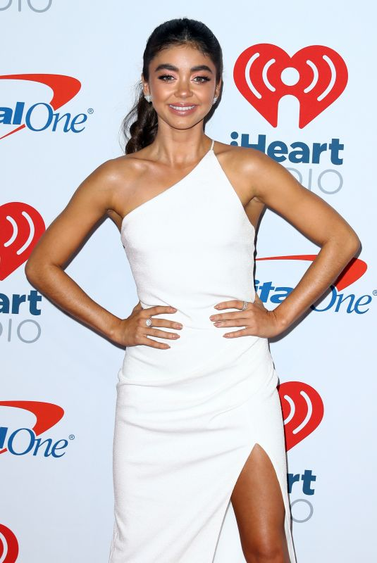SARAH HYLAND at Iheartradio Music Festival in Las Vegas 09/21/2018