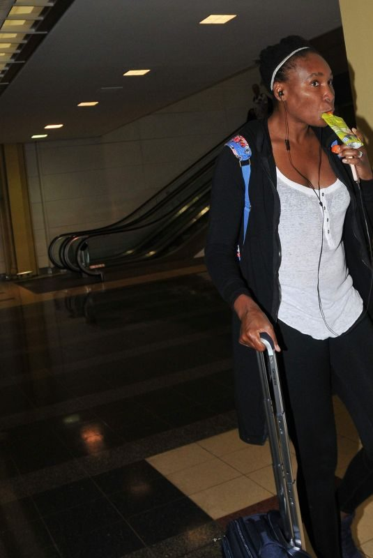VENUS WILLIAMS Arrives at Airport in Washington, D.C. 09/25/2018