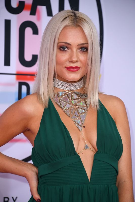 ALEXI BLUE at American Music Awards in Los Angeles 10/09/2018