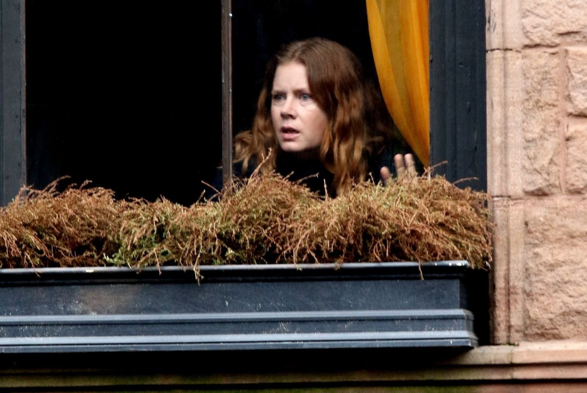 https://www.hawtcelebs.com/wp-content/uploads/2018/10/amy-adams-on-the-set-of-woman-in-the-window-in-new-york-10-15-2018-1.jpg