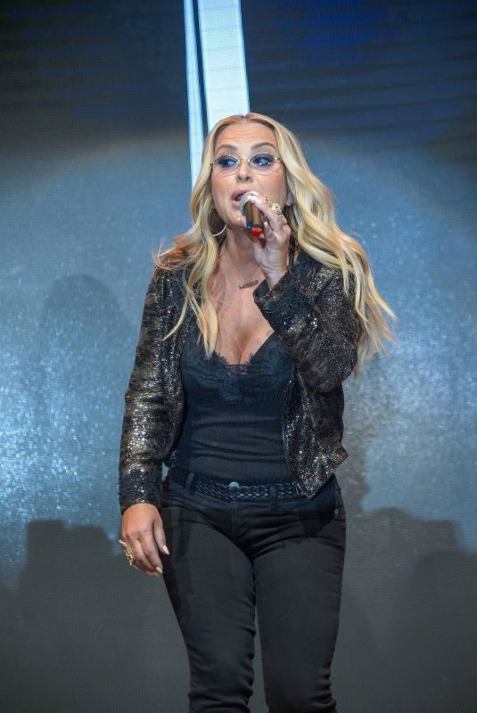 ANASTACIA Performs at Kinderhilfe Gala 2018 in Vienna 10/19/2018