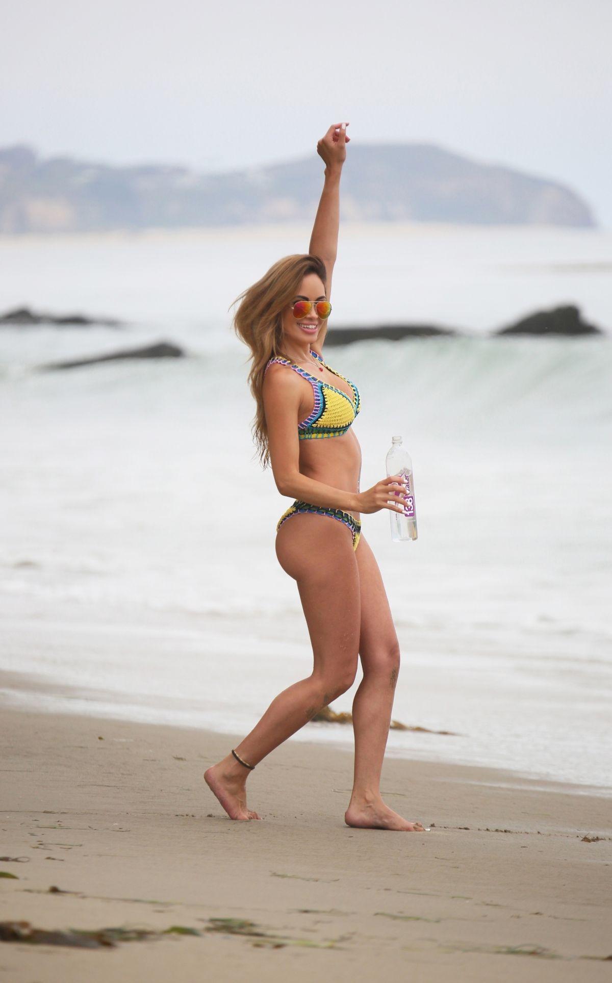 Celebrity Ari Lezama naked (97 photos), Sexy, Cleavage, Twitter, braless 2019