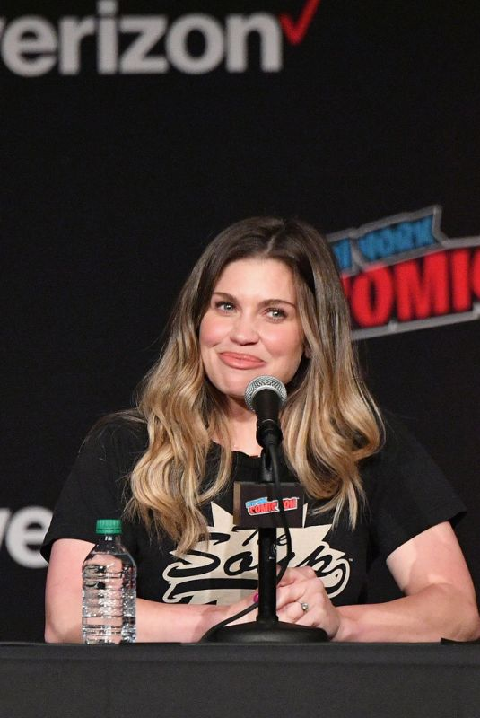 DANIELLE FISHEL at Boy Meets World 25th Anniversary Panel at New York Comic-con 10/05/2018