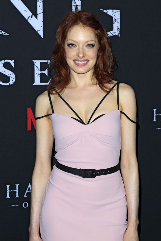 ELIZABETH CARLISLE at The Haunting of Hill House Premiere in Los Angeles 10/08/2018