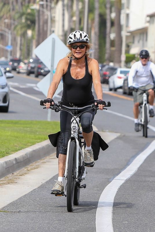GOLDIE HAWN Out Riding a Bike in Los Angeles 10/06/2018
