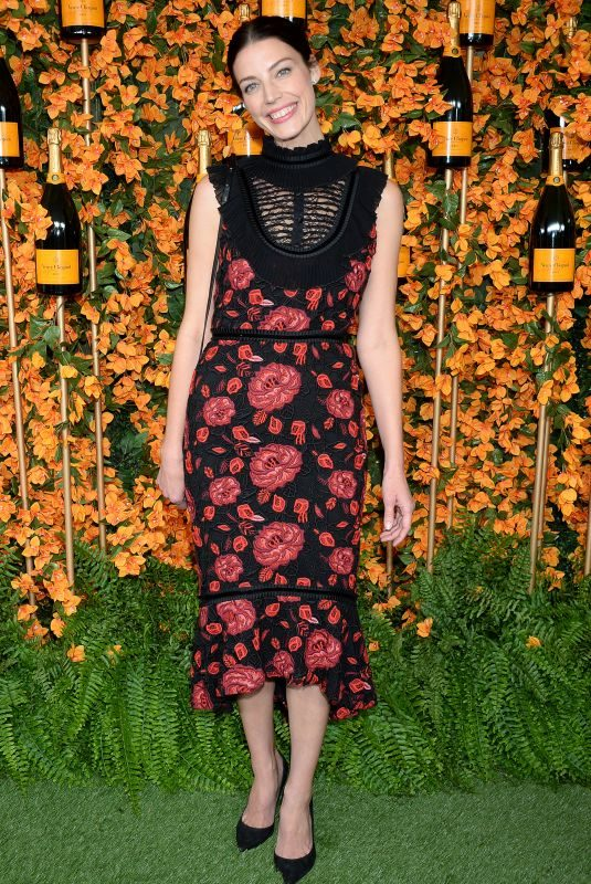 JESSICA PARE at 2018 Veuve Clicquot Polo Classic in Los Angeles 10/06/2018