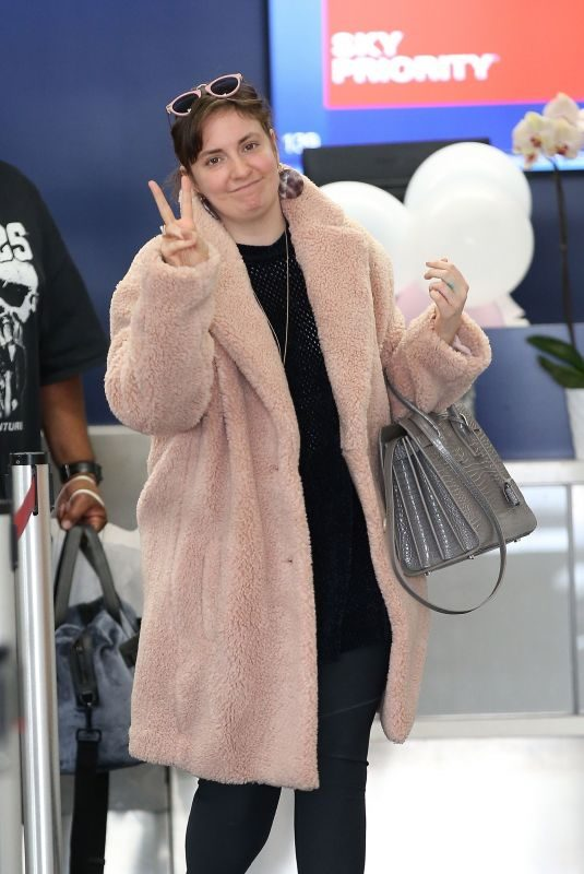 LENA DUNHAM Out for Coffee in Los Angeles 10/06/2018