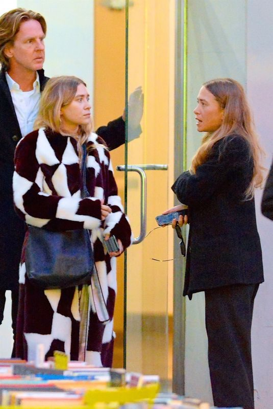 MARY KATE and ASHLEY OLSEN Out in New York 10/22/2018