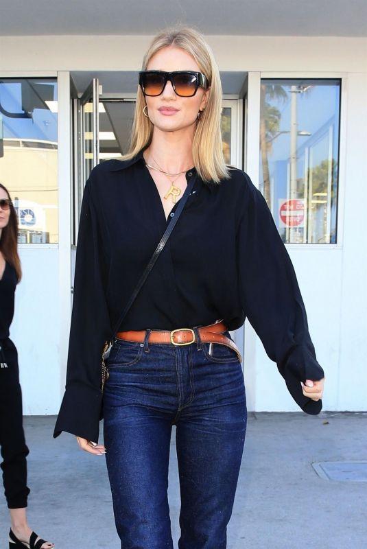 ROSIE HUNTINGTON-WHITELEY at E. Baldi in Beverly Hills 10/24/2018
