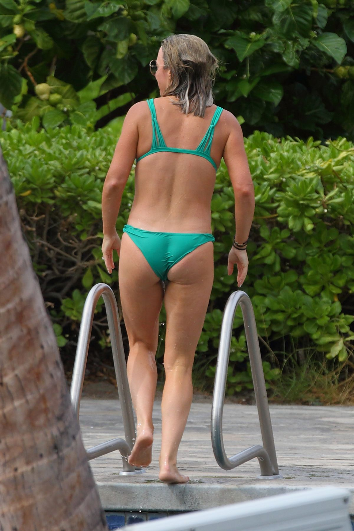 Teddi Jo Mellencamp In Bikini At A Pool In Hawaii 10 20