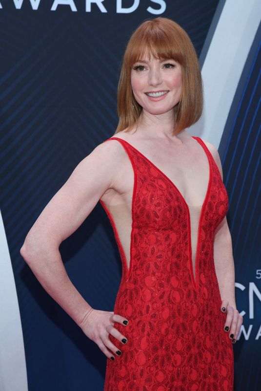 ALICIA WITT at 2018 CMA Awards in Nashville 11/14/2018