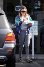 AMANDA BYNES Out for Pizza in Los Angeles 11/15/2018