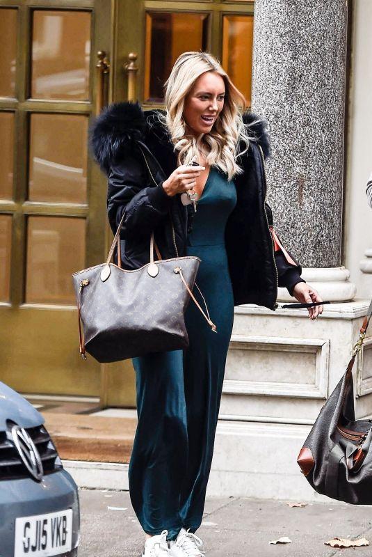 AMBER TURNER Leaves Bentley Hotel in London 11/09/2018