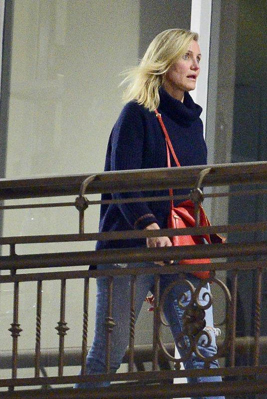 CAMERON DIAZ Leaves a Restaurant in Los Angeles 10/20/2018