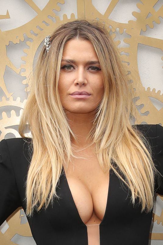 CHEYENNE TOZZI at Flemington Racecourse Derby Day in Melbourne 11/03/2018