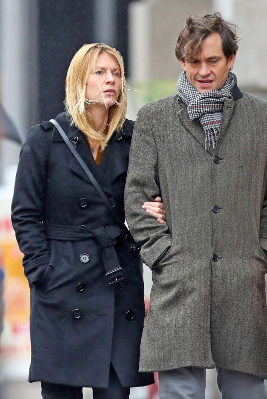 CLAIRE DANES and Hugh Dancy Out Shopping in New York 11/09/2018