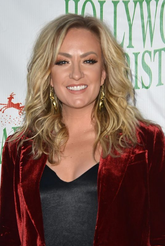 CLARE DUNN at Hollywood Christmas Parade 11/25/2018