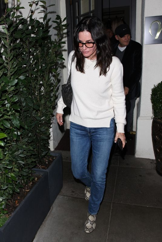 COURTENEY COX at Madeo Restaurant in Los Angeles 11/17/2018