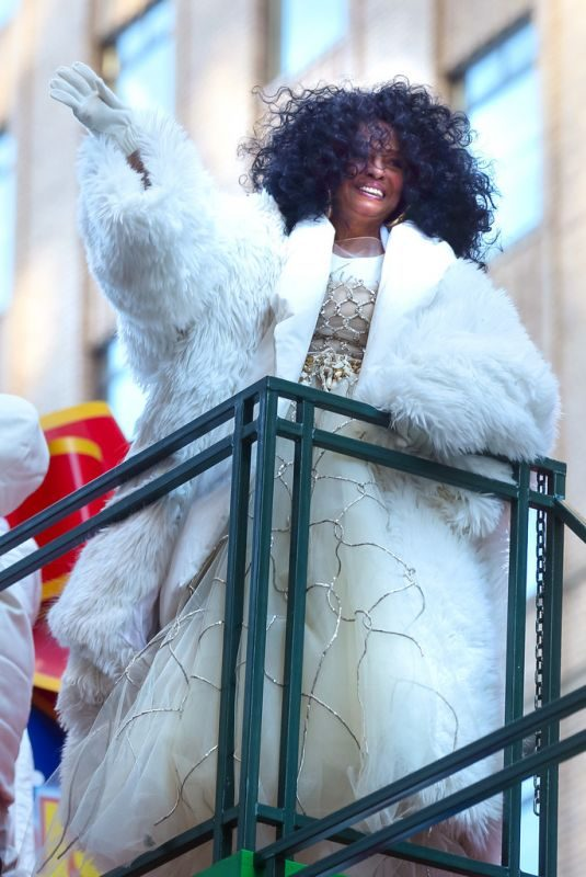 DIANA ROSS at 2018 Macy's Thanksgiving Day Parade in New York 11/22/2018