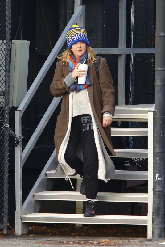 DREW BARRYMORE at a Heliport in New York 11/26/2018