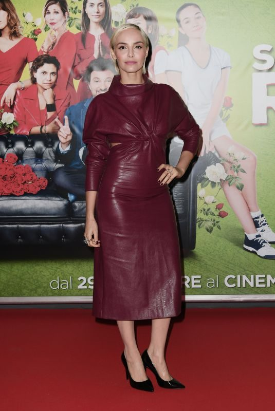 ELENA CUCCI at Se Son Rose Premiere in Rome 11/27/2018