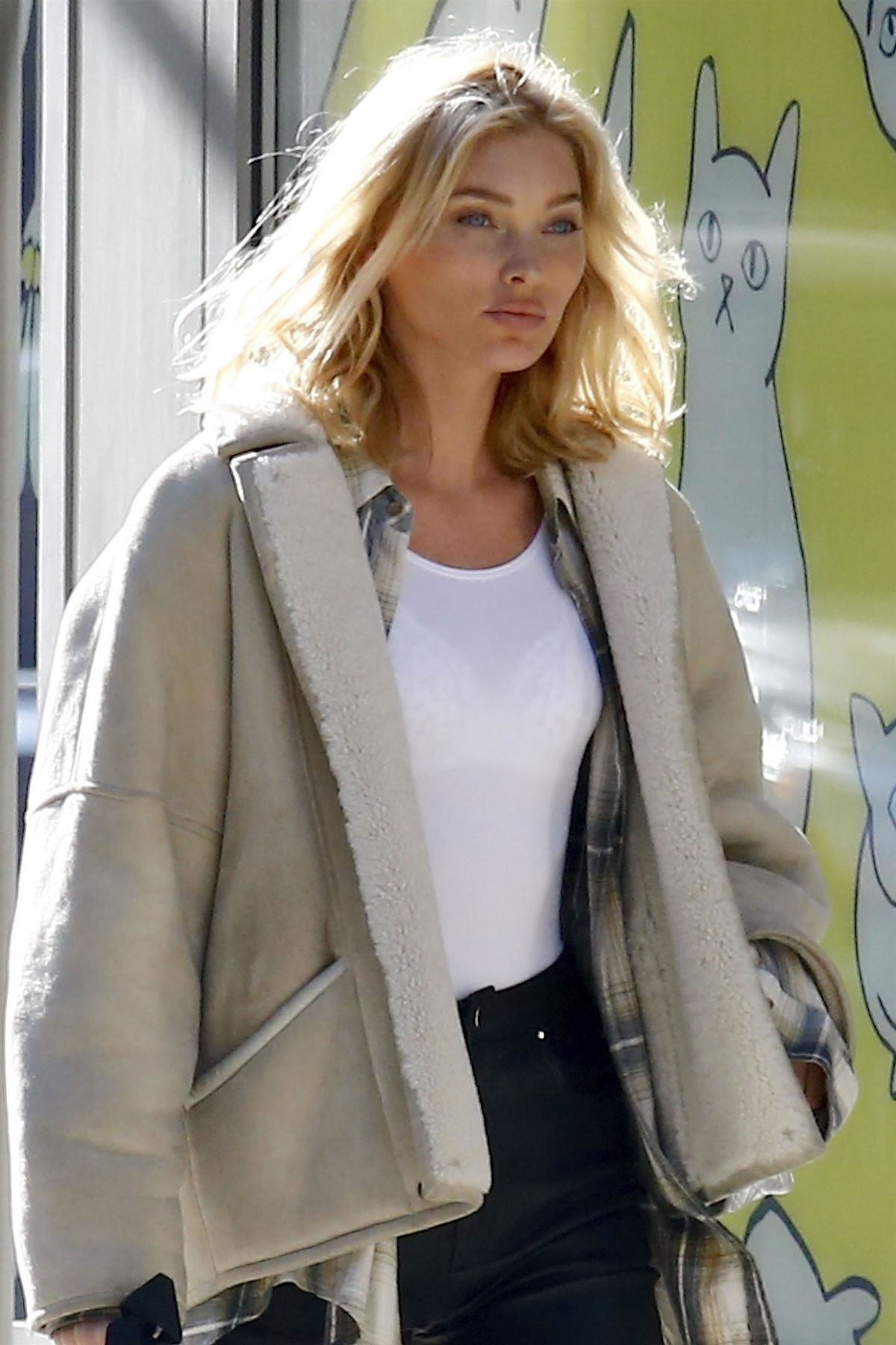 8effba9a758 ELSA HOSK Out Shopping in New York 11 20 2018 - HawtCelebs