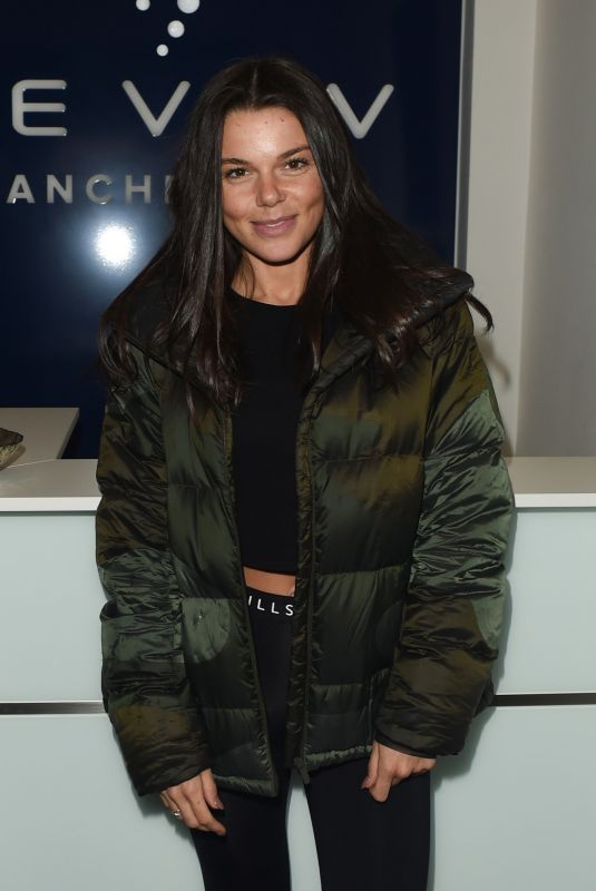 FAYE BROOKES at Reviv in Manchester 11/23/2018