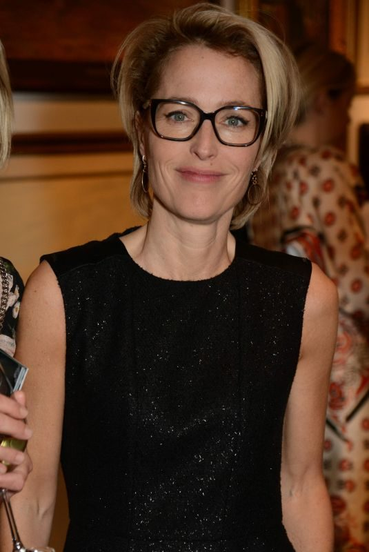 GILLIAN ANDERSON at Women for Women International #SheInspiresMe Auction 11/19/2018